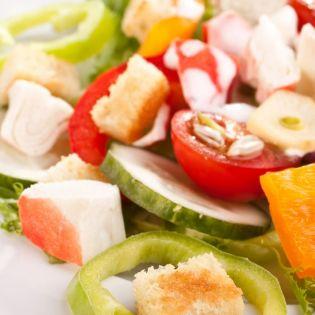 Salade colorée surimi mélimélo fruits légumes fleury michon marmiton recette