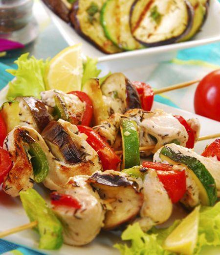 Brochettes d'aiguillettes aux petits légumes