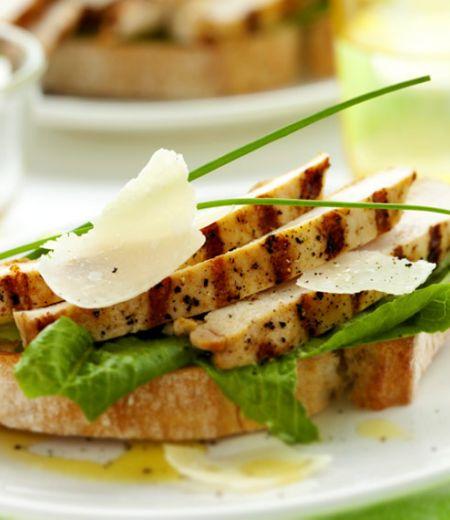 Bruschetta Italienne aux émincés de poulet