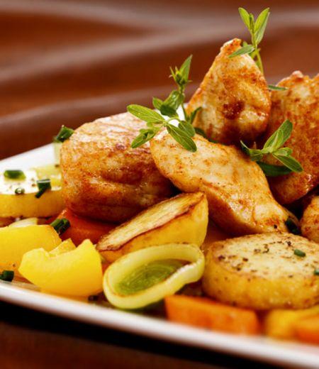 Fricassée poulet grillé aux pommes de terre et carottes