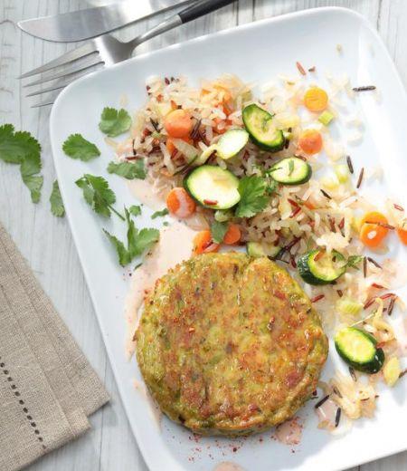 Pavés aux haricots verts et petits pois, riz croustillant sauté aux légumes