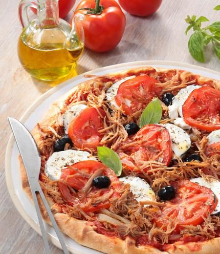 Pizza tomates basilic, chèvre et Effilochés de Porc