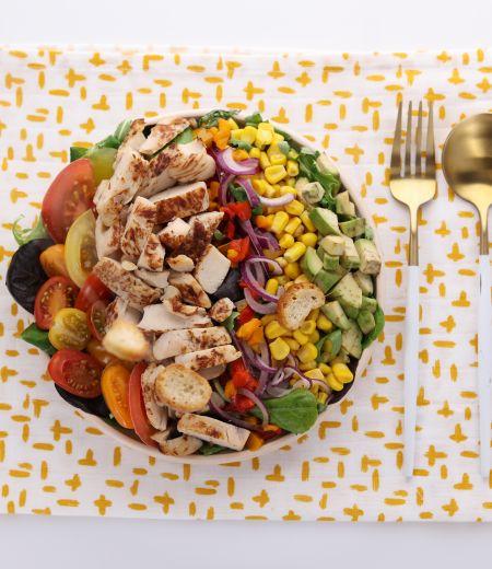 Salade gourmande aux aiguillettes de poulet